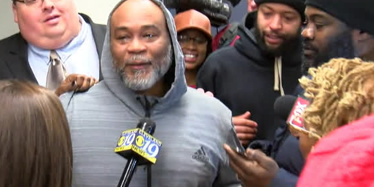 Father sees daughter first time as a free man, after spending 27 years in prison for murder he says he didn't commit