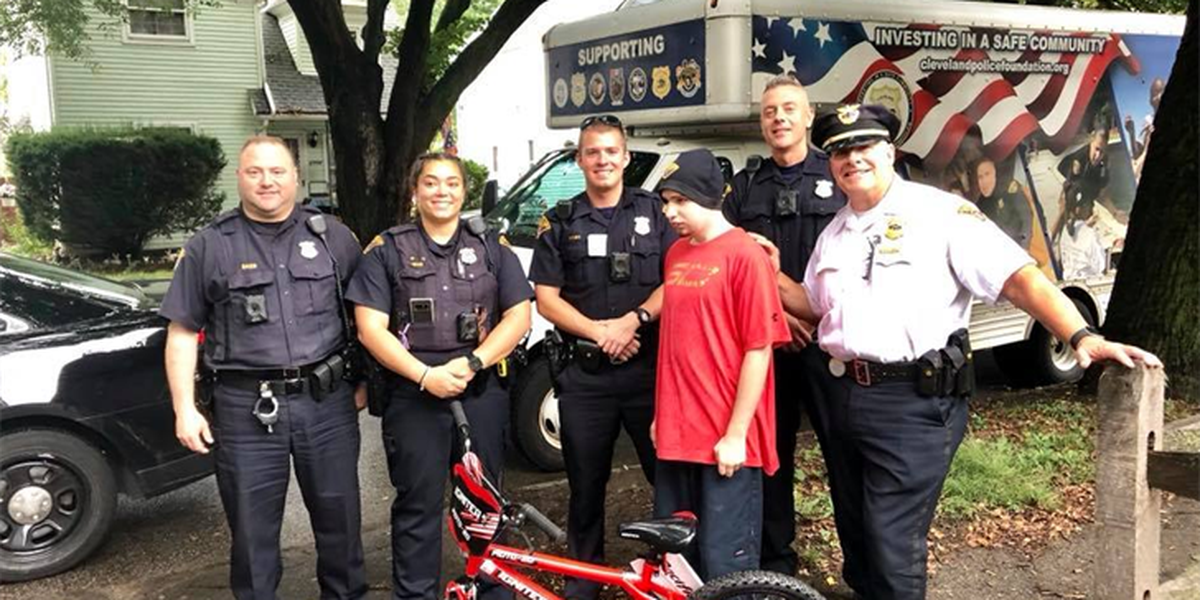 Cleveland Police buy new bike for man with special needs