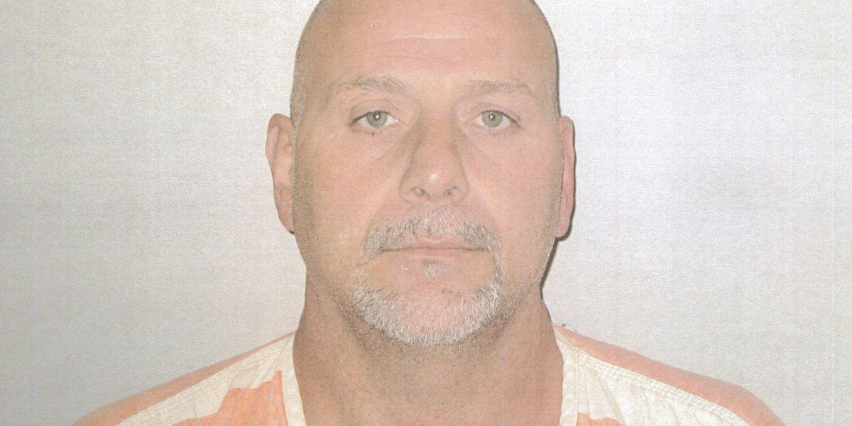 Akron police: Estranged husband previously convicted of arson talking to police