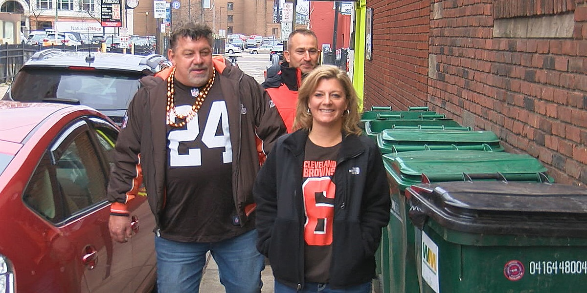 Some Cleveland bars throw penalty flag to Browns game curfew exemption when they must still close at 10 p.m.