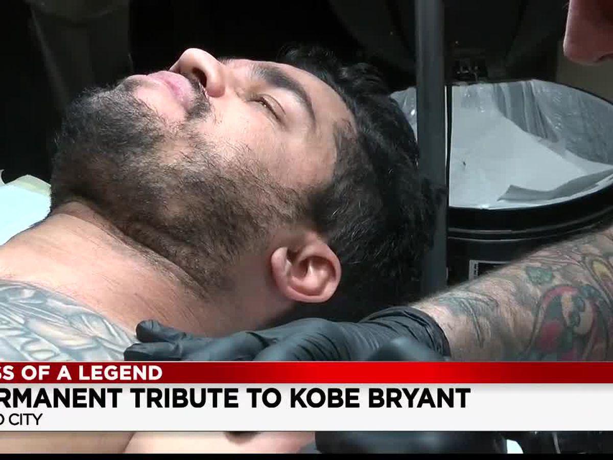 Ohio City artist unveils 'Black Mamba' tattoo to honor NBA icon Kobe Bryant