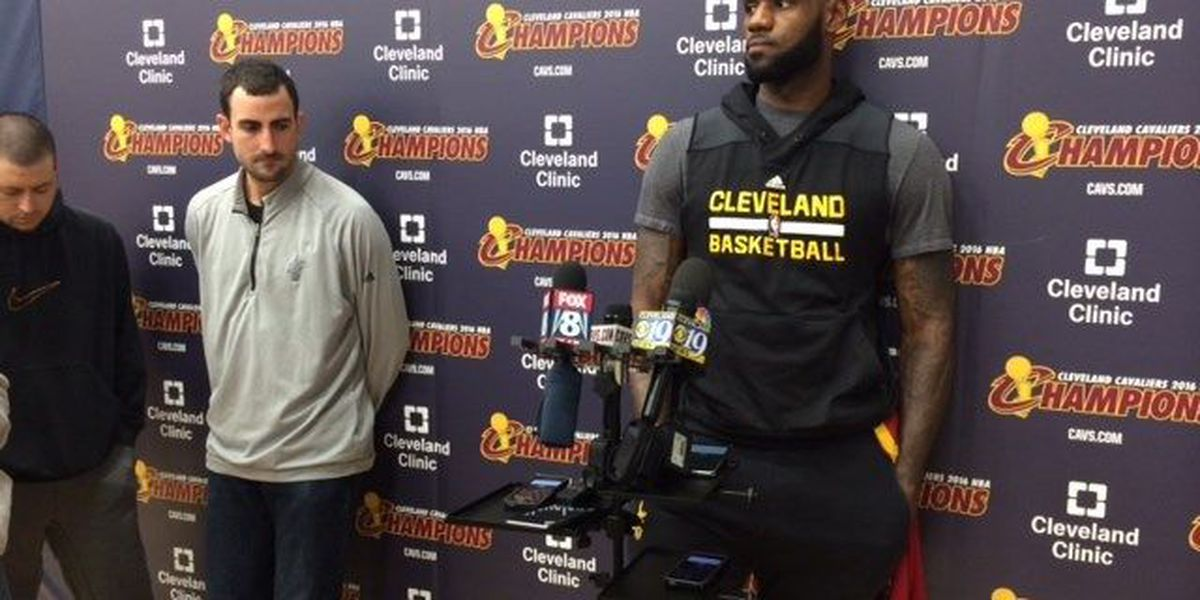 Hillary Clinton to campaign with LeBron James in Cleveland on Sunday