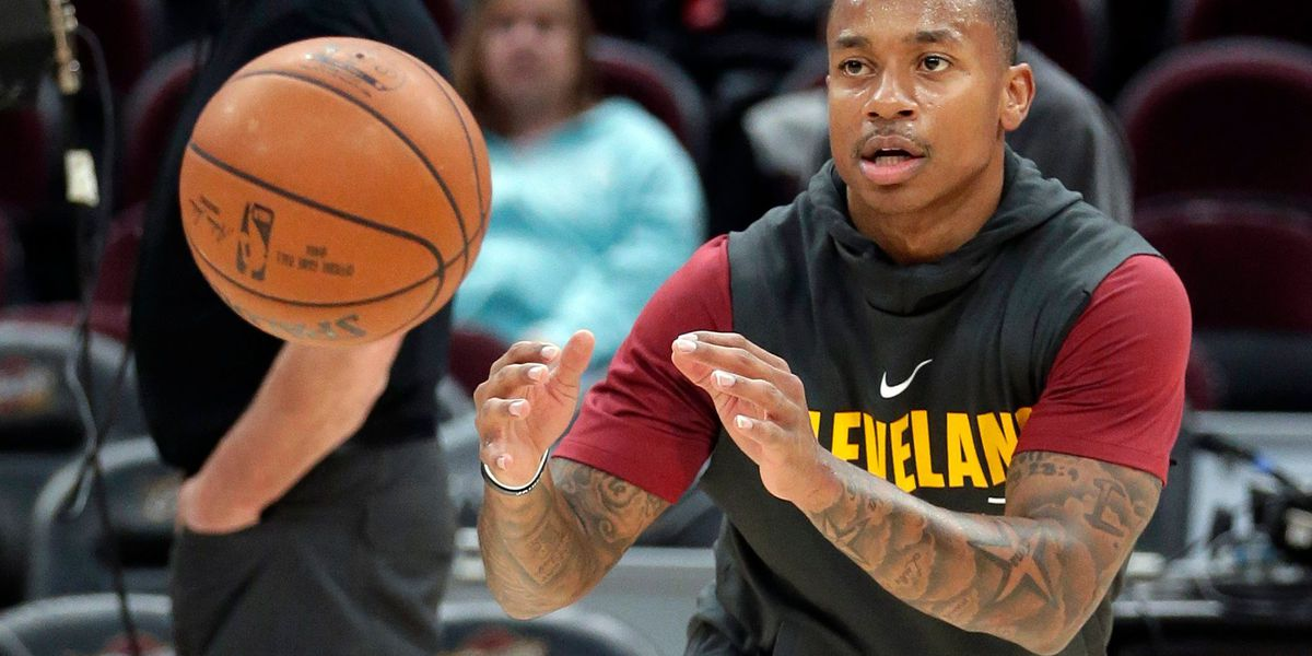 Report: Isaiah Thomas targeting early January for Cavaliers debut