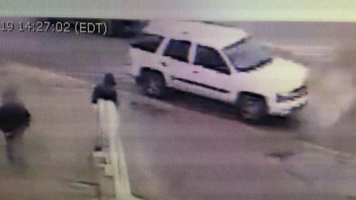 Anonymous tip leads to recovery of car from deadly hit-skip crash in Cleveland; driver still on the run