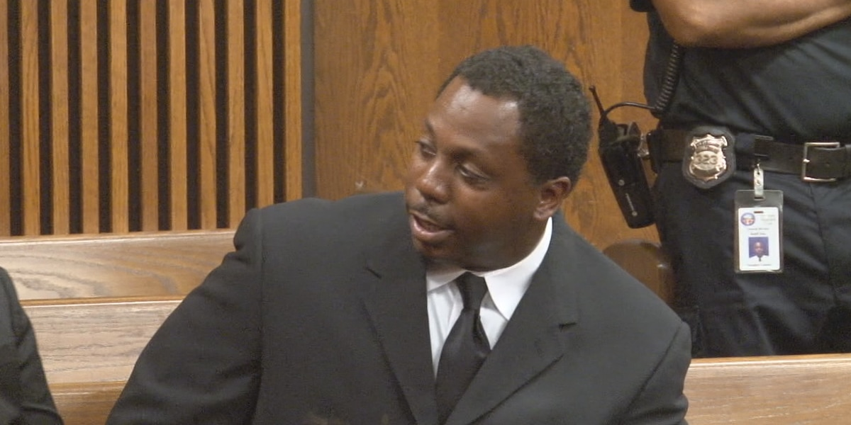 Prosecutor pulls plea deal after Cleveland officer facing felony charges refuses to resign