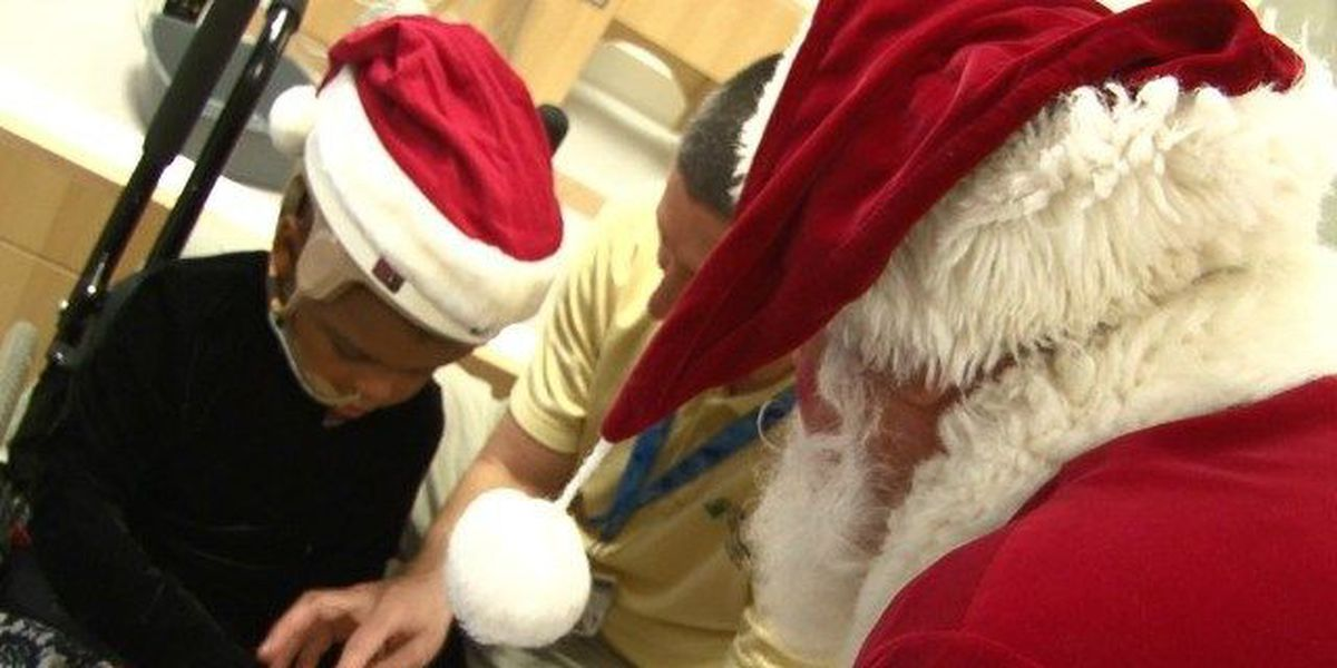 Santa brightens holiday for young Cleveland Clinic patients