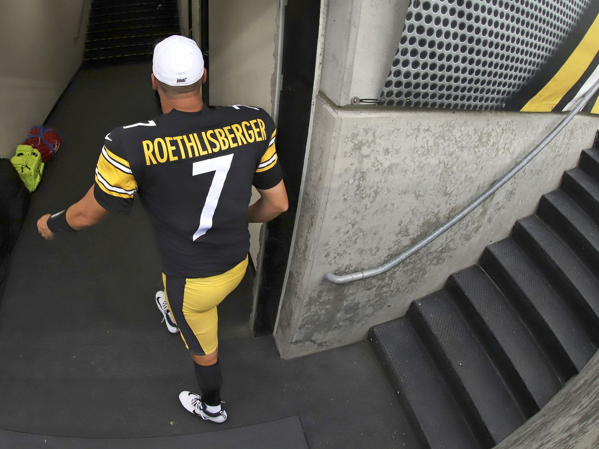 Pittsburgh Steelers announce QB Ben Roethlisberger is out for the season with elbow injury