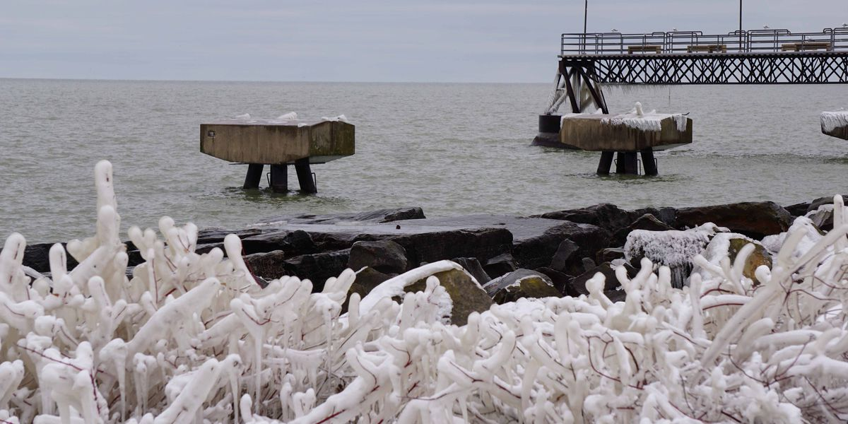 Is Lake Erie ready to freeze over (photos)