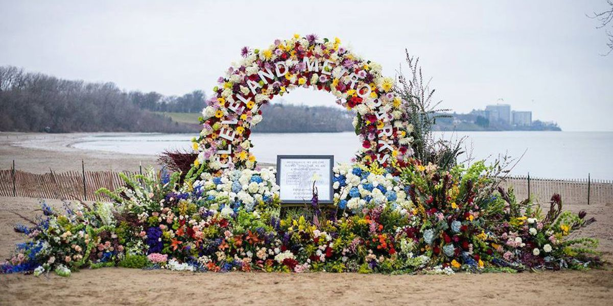 Florist adorns Cleveland with another 'living billboard,' set up at Edgewater Beach (photos)