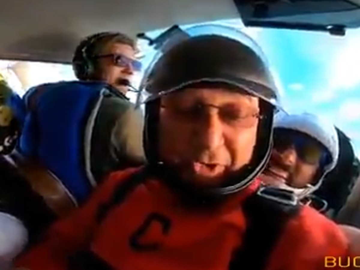 Terry Francona skydives again, takes Cleveland Indians coaching staff along with him (video)