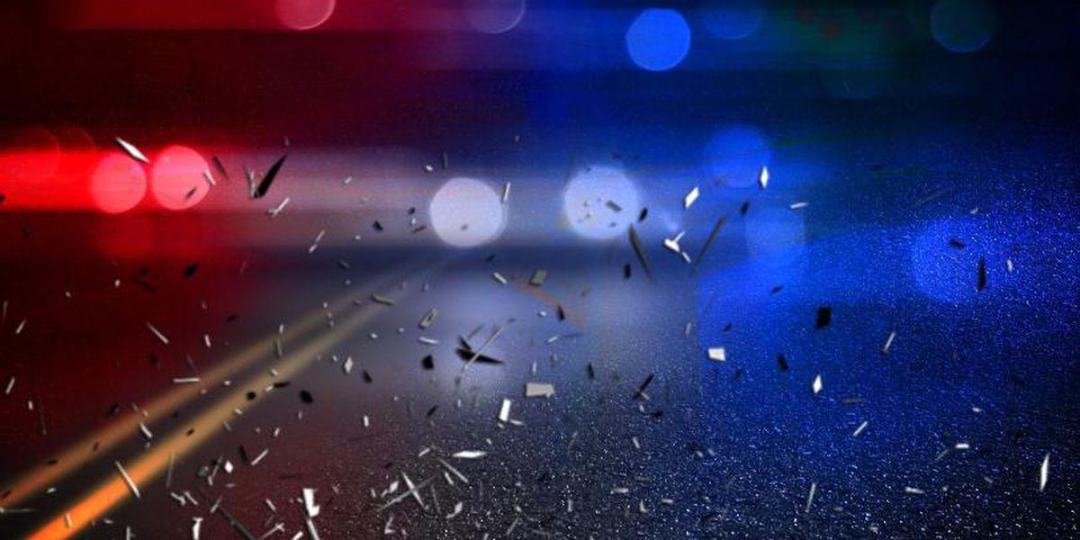 Teen killed in overnight Akron car crash