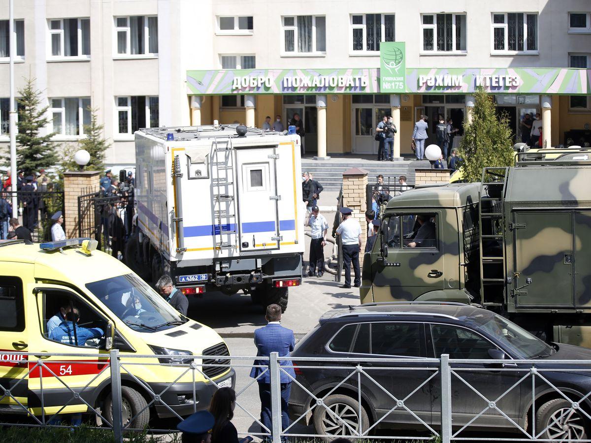 School shooting in Russia kills 9 people; suspect arrested