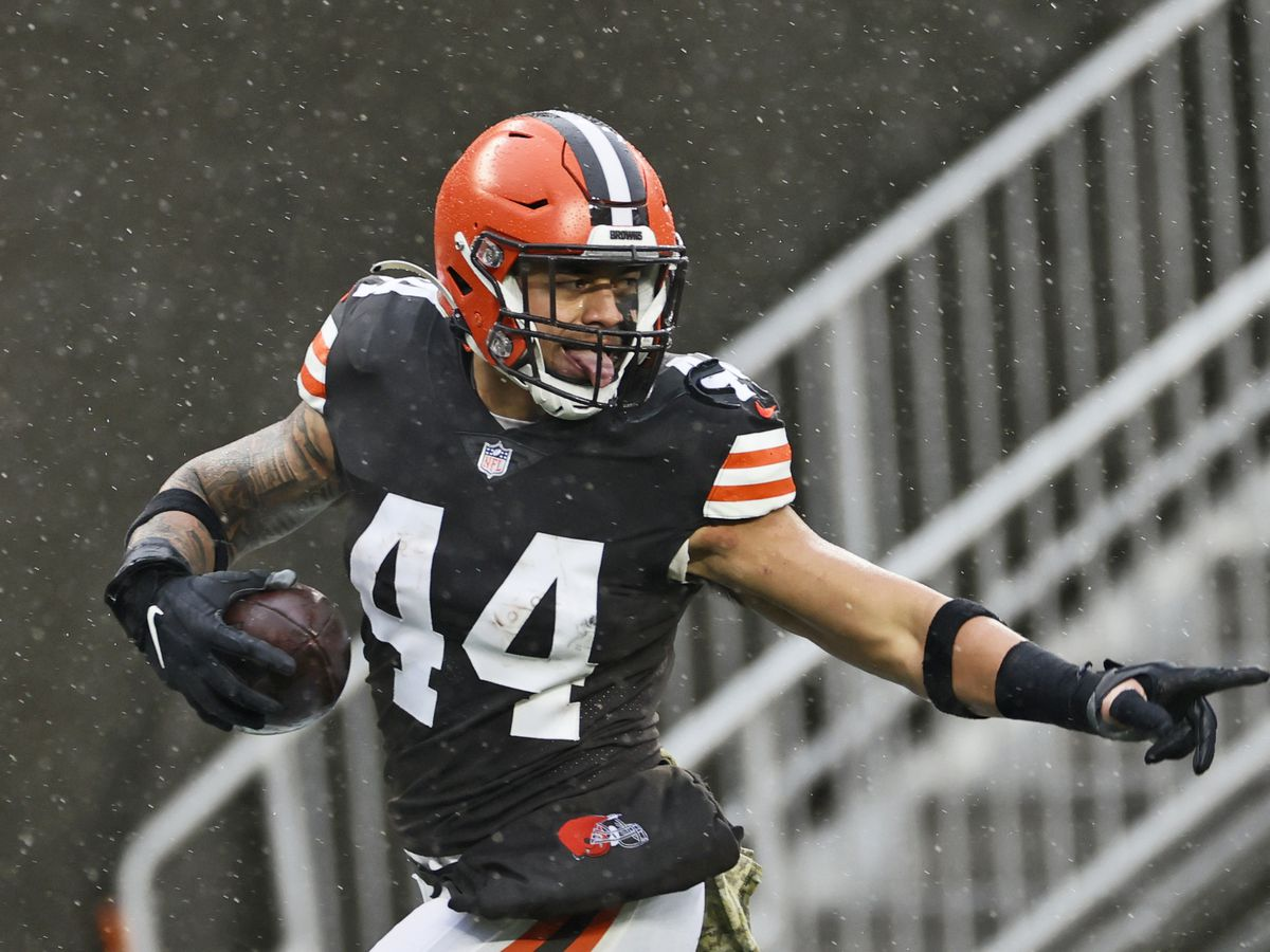 Browns linebacker joins teammates on the reserve COVID-19 list