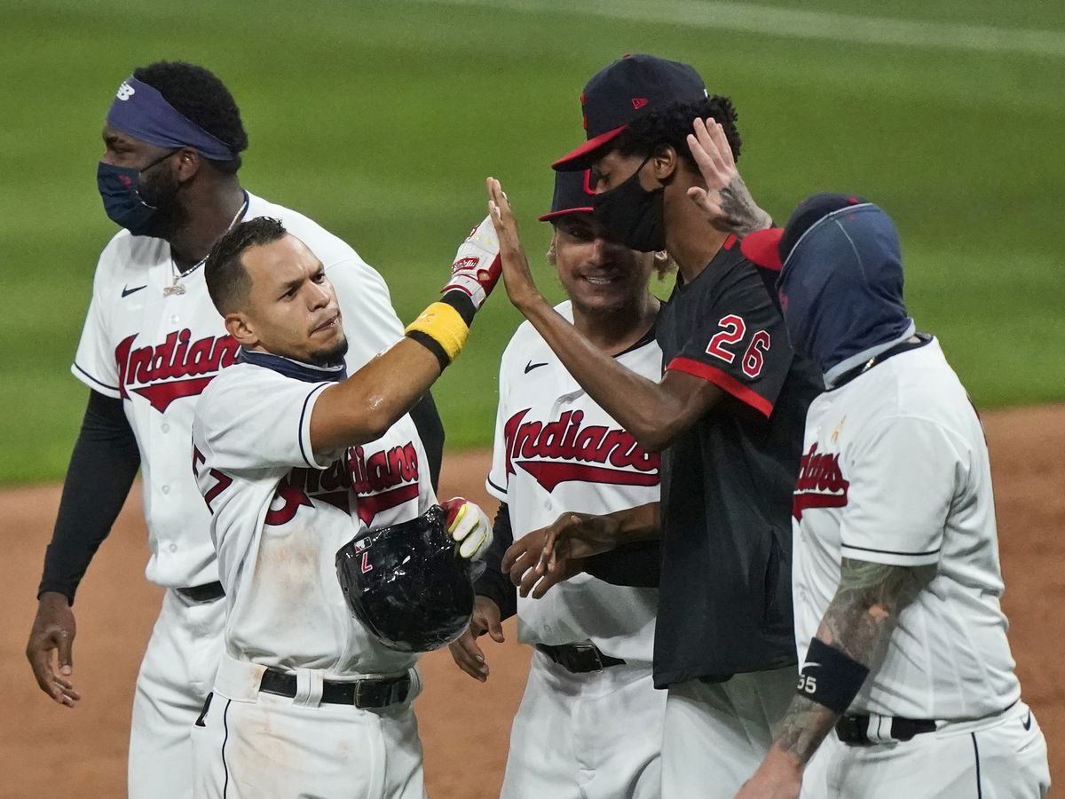Indians end Hader's hitless streak, beat Brewers 4-3