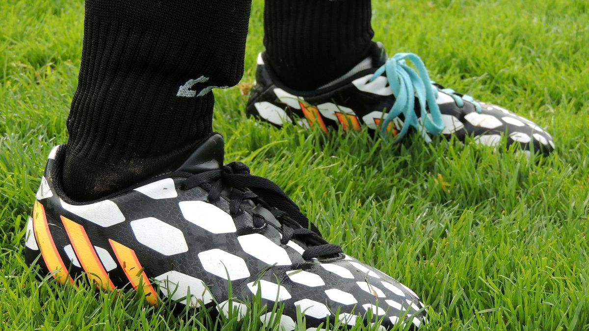 Massillon football players donate cleats after seeing opponents playing in duct-taped shoes