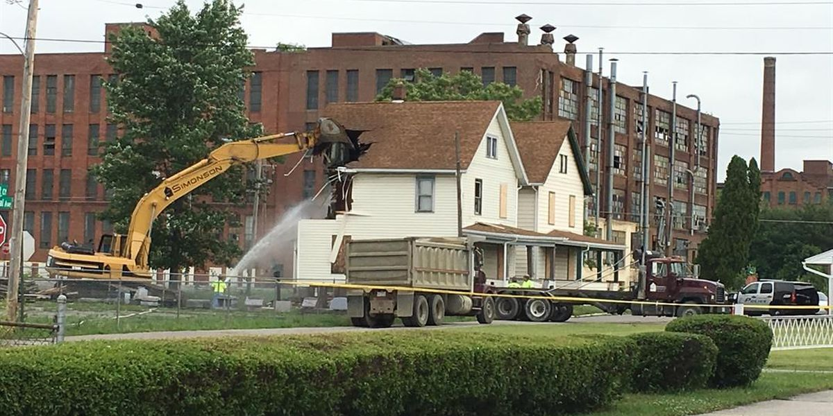 Shawn Grate crime scene demolished for free thanks to Ashland business
