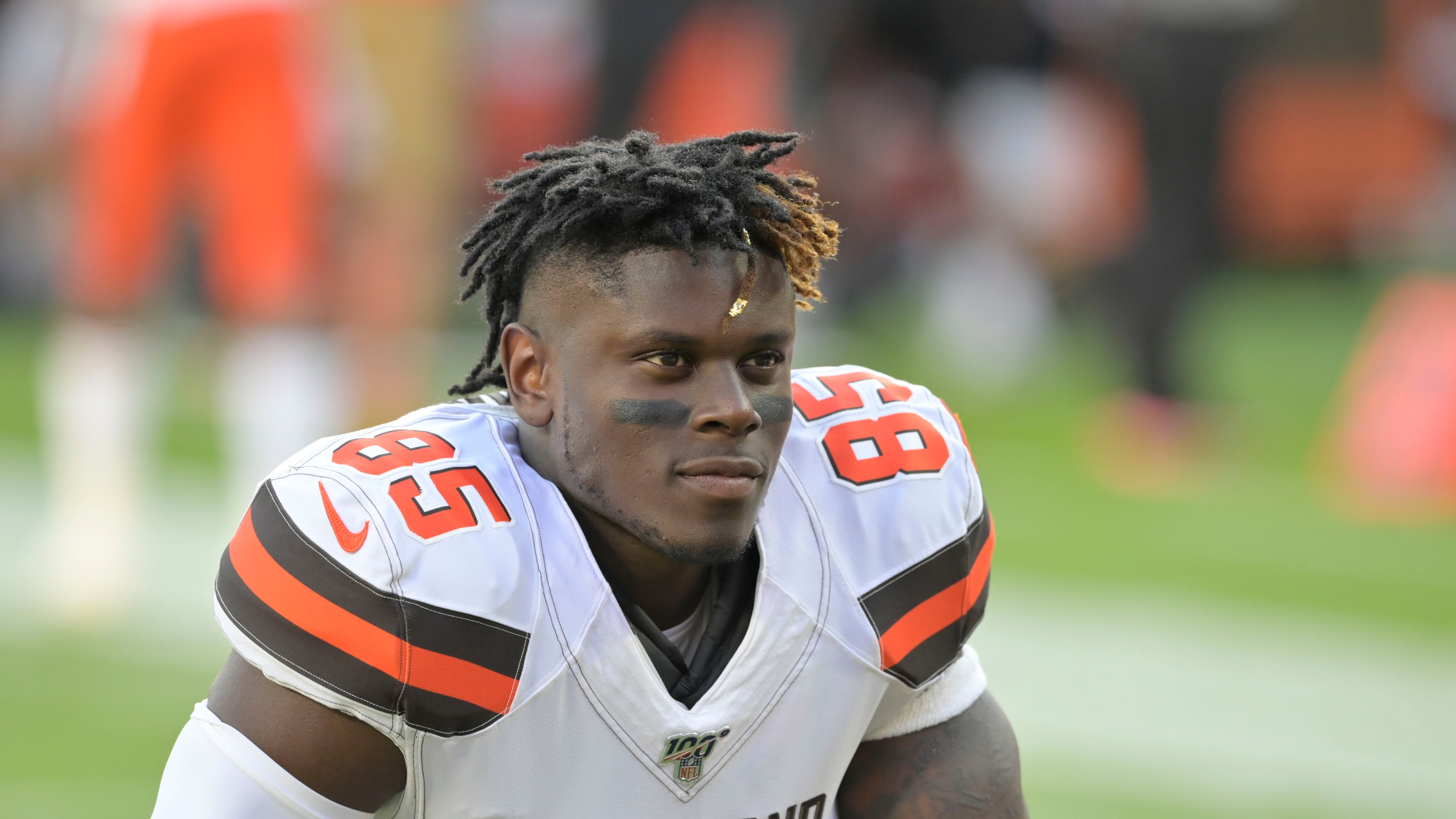 Report: Cleveland Browns tight end David Njoku requests trade