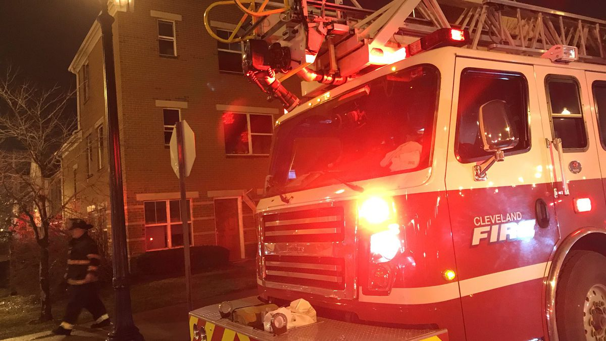 8-year-old girl jumped to safety, 2-year-old girl rescued after apartment building on Cleveland's East Side caught fire
