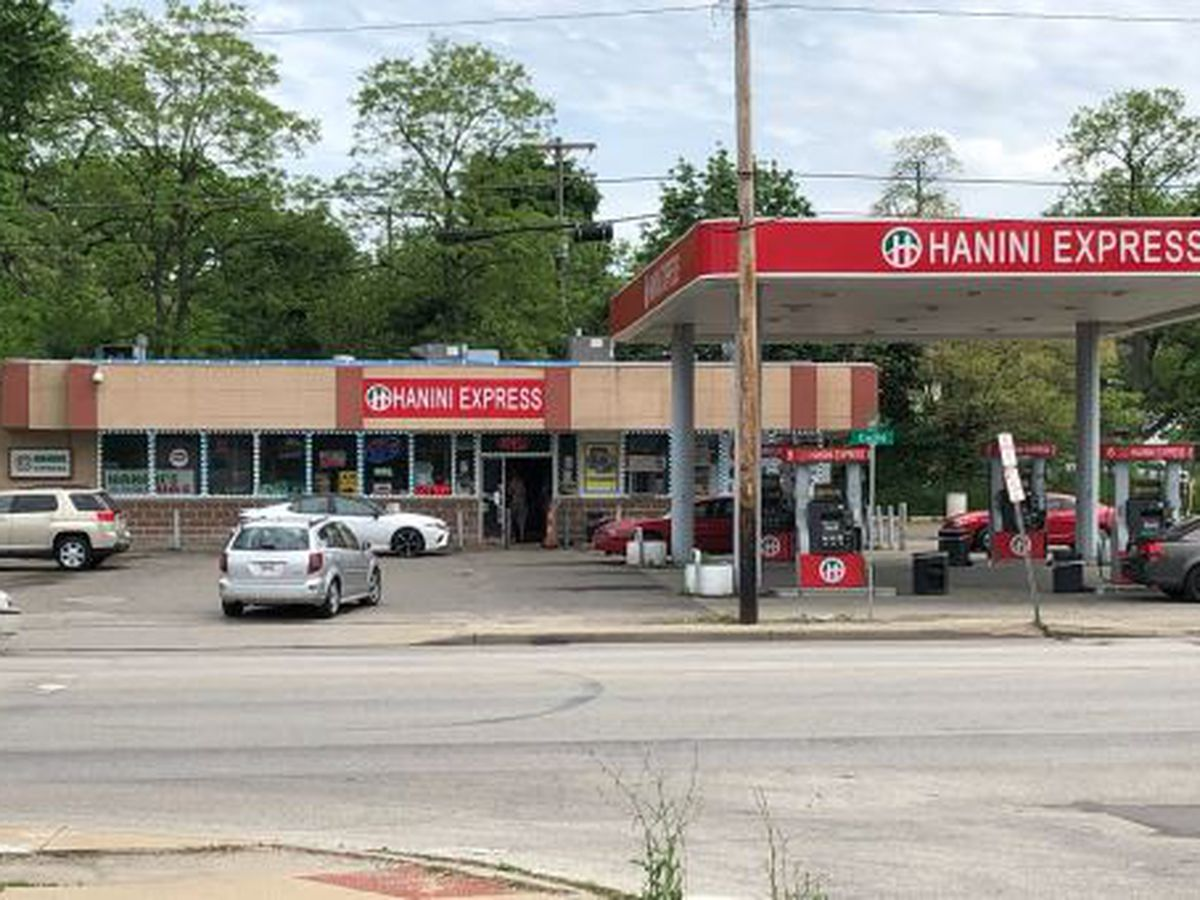 1 man killed, 3 others shot at East Cleveland gas station