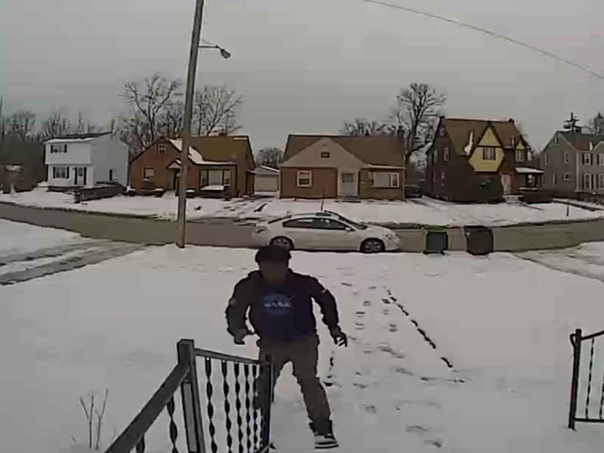 Brazen 'porch pirate' caught stealing packages in broad daylight from South Euclid home (video)