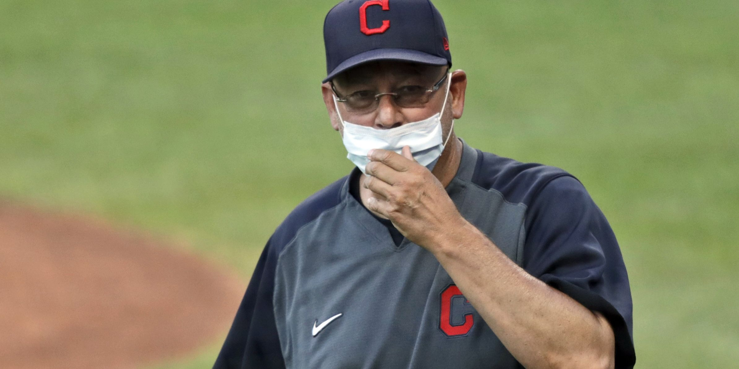 Indians' Francona undergoes procedure, not ready to manage
