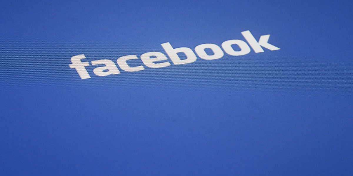 Facebook and Instagram facing Thanksgiving outages