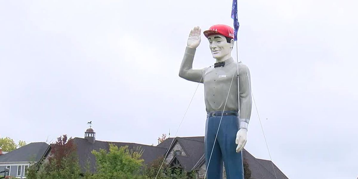 Rocky River homeowner's 2-story President Trump display is turning heads