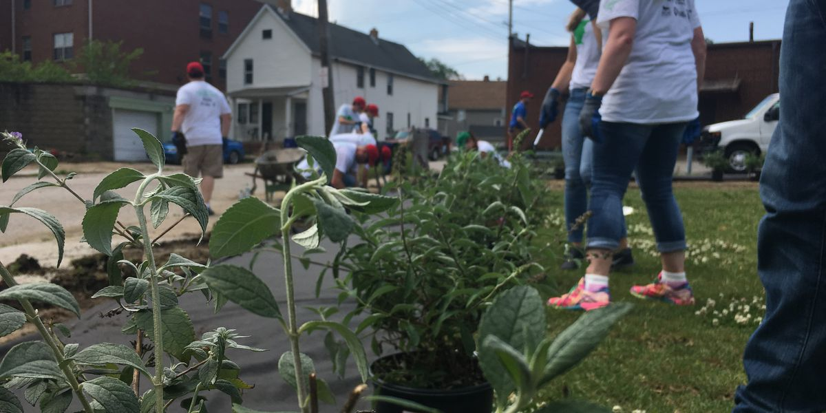 Volunteers revitalize Cleveland neighborhood during build up to All-Star Game