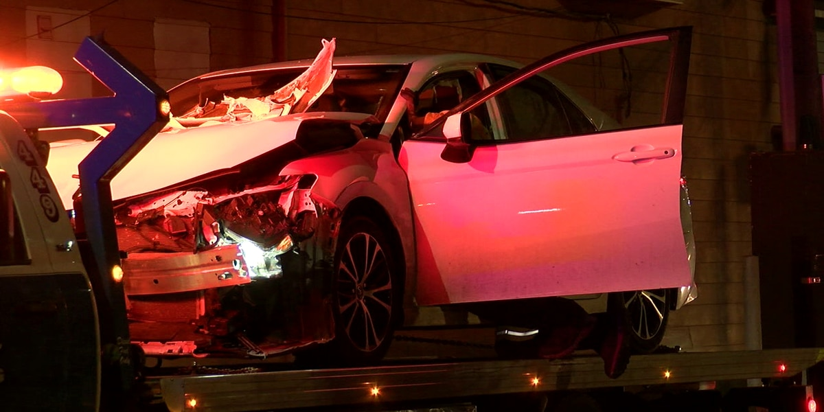 Driver runs away from OSHP after traffic stop leads to crash with another car, building