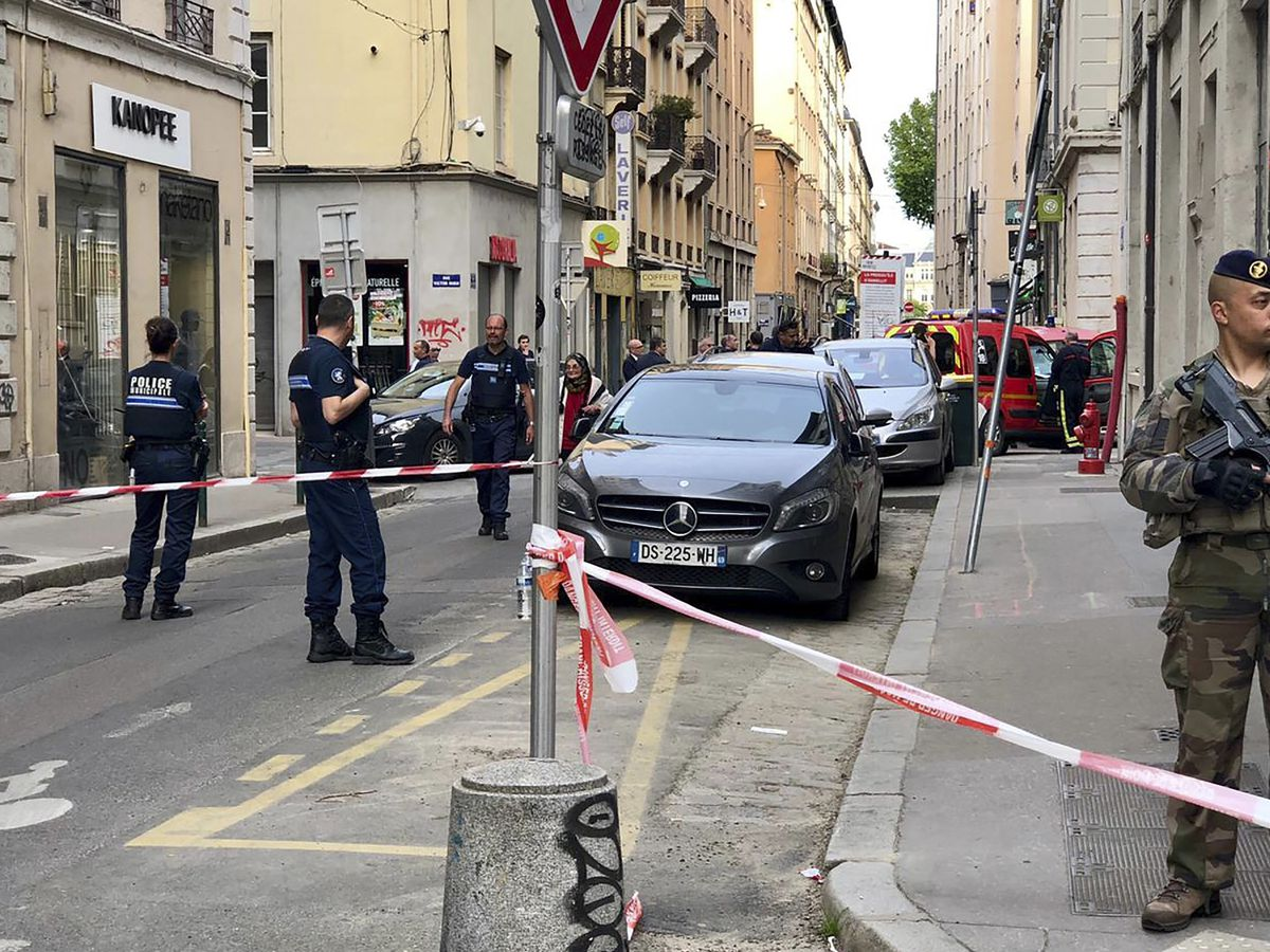 Police hunt for suspect after explosion in French city of Lyon