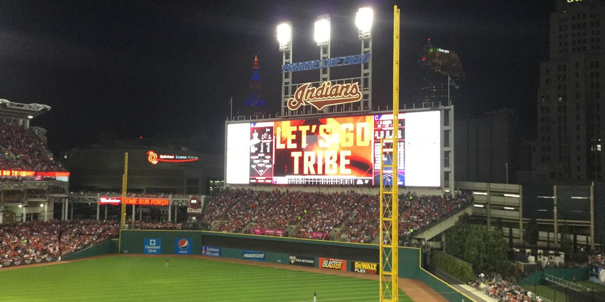 Here's how many buses you can actually fit on the Indians scoreboard