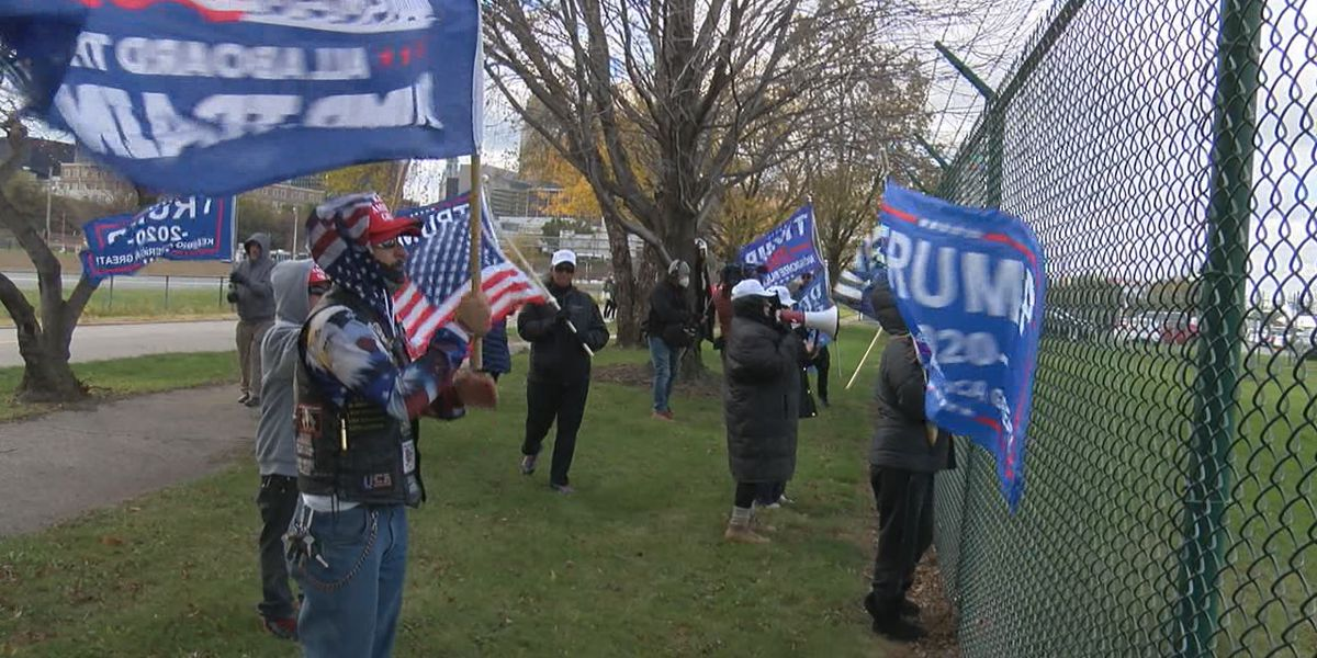 Supporters of President Trump demonstrate at site of Democratic candidate Biden's campaign stop in Cleveland (photos)