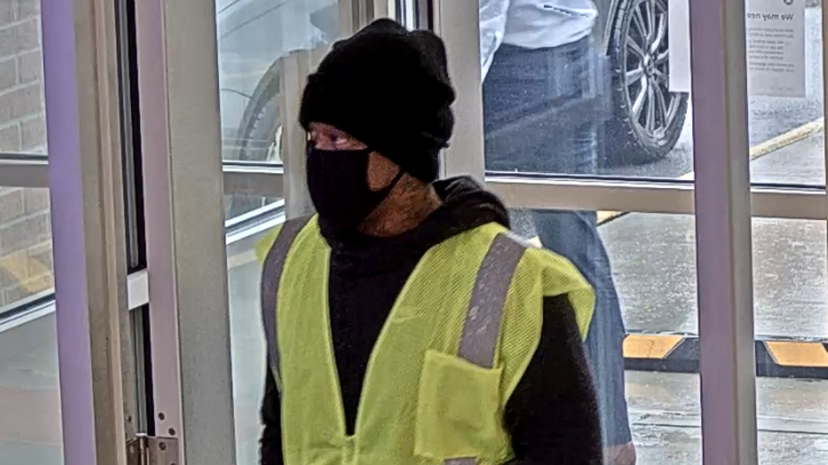 South Euclid Police search for bank robbery suspect who said he had a gun