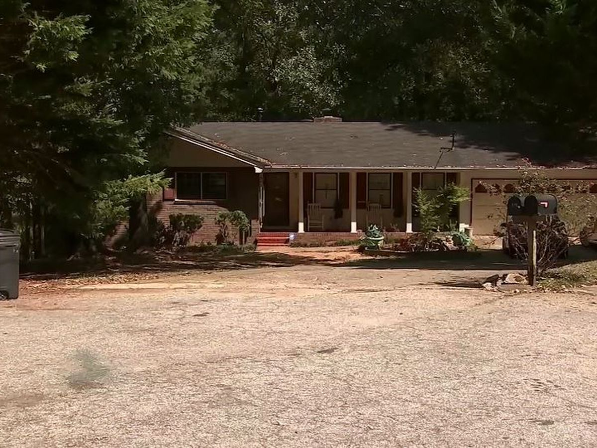 Georgia homeowner fatally shoots 3 masked teens allegedly trying to rob him