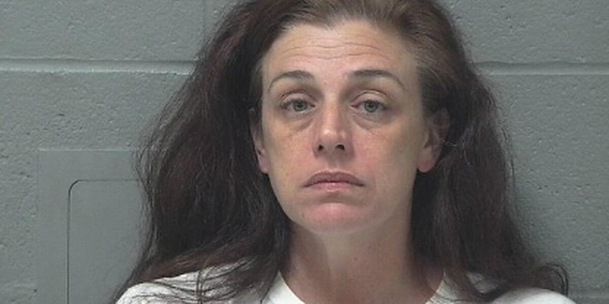 Deputies arrest woman accused of robbing bank in Mansfield