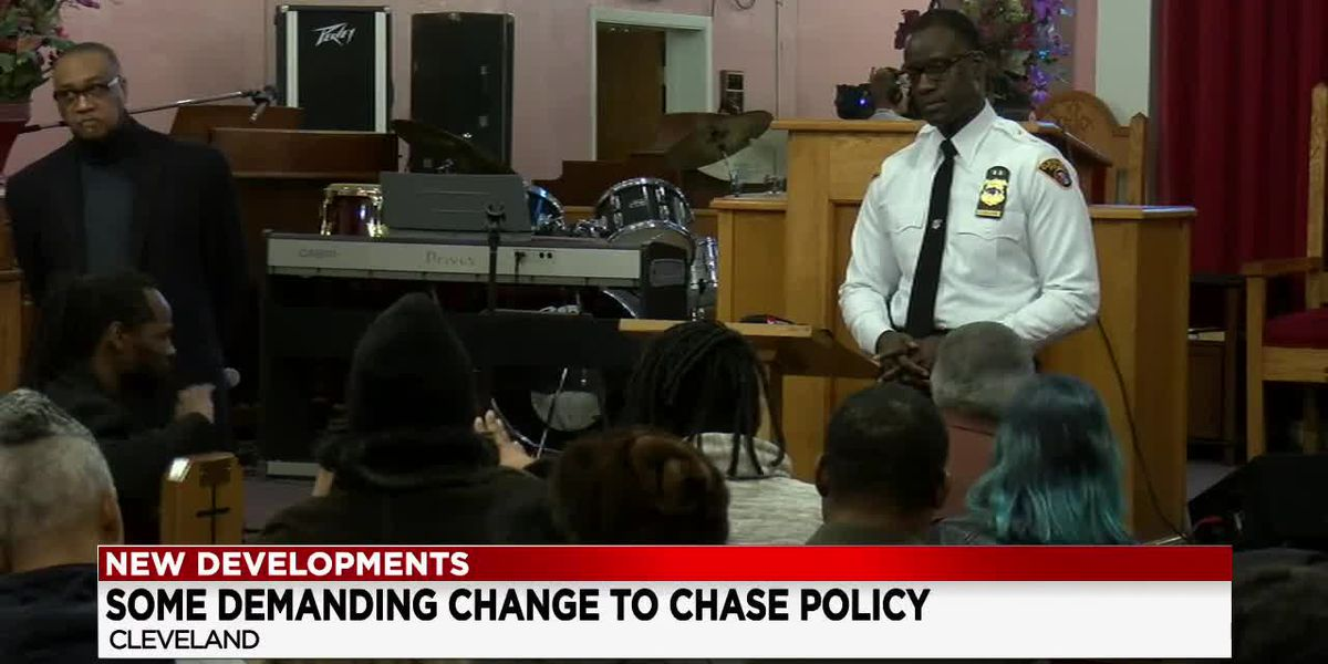 Residents grill Cleveland Police Chief Calvin Williams on the Division's chase policy