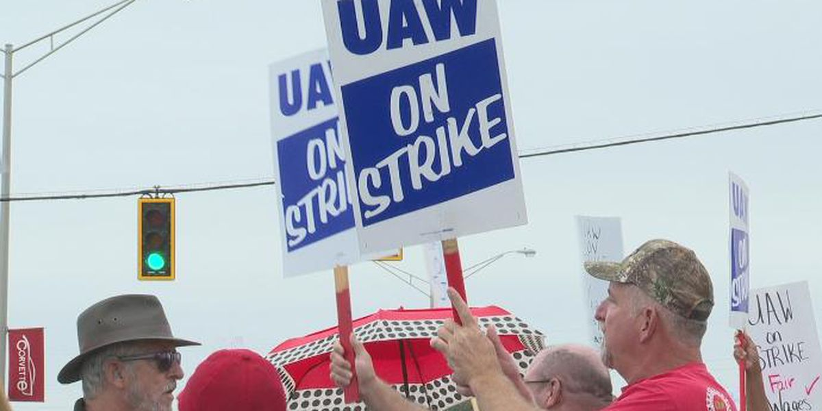 UAW-GM vote continues on tentative contract, final results expected Friday night