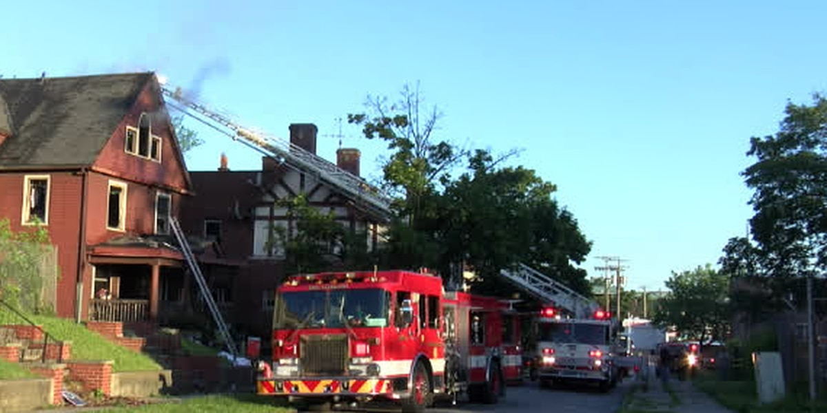Early-morning fire in East Cleveland under investigation