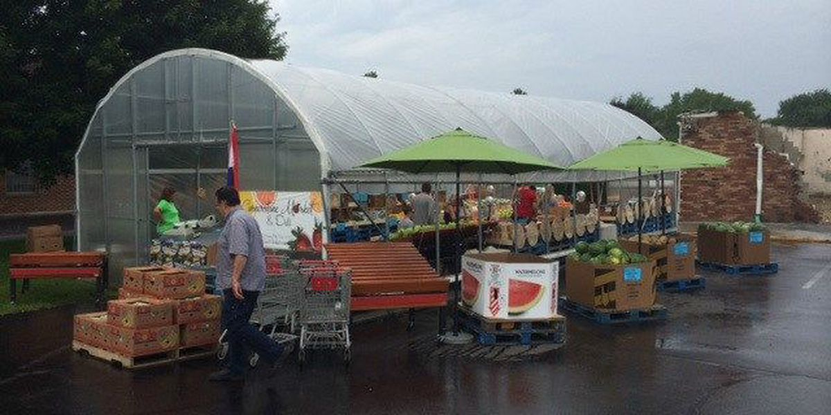 Loyal customers help reopen market after fire