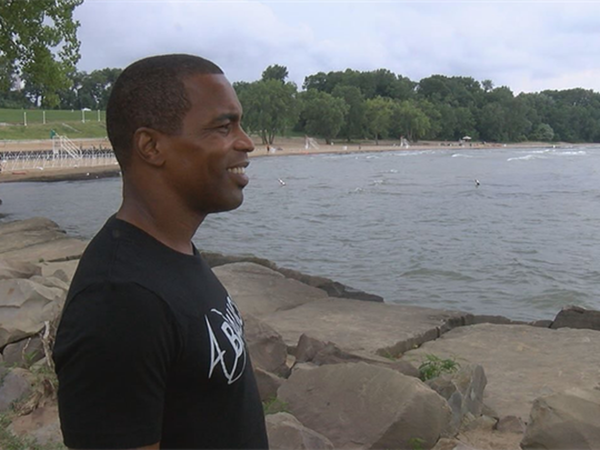 Cleveland athlete takes unusual route to 2018 triathlon