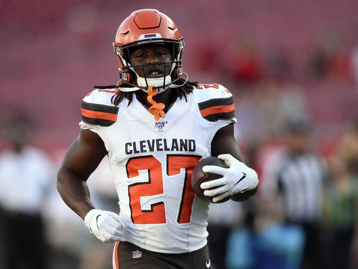 Cleveland Browns RB Kareem Hunt stopped for speeding with traces of marijuana in the car