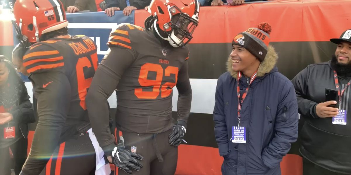 Cleveland Browns' Larry Ogunjobi makes kid's day after inviting him out to meet his favorite team