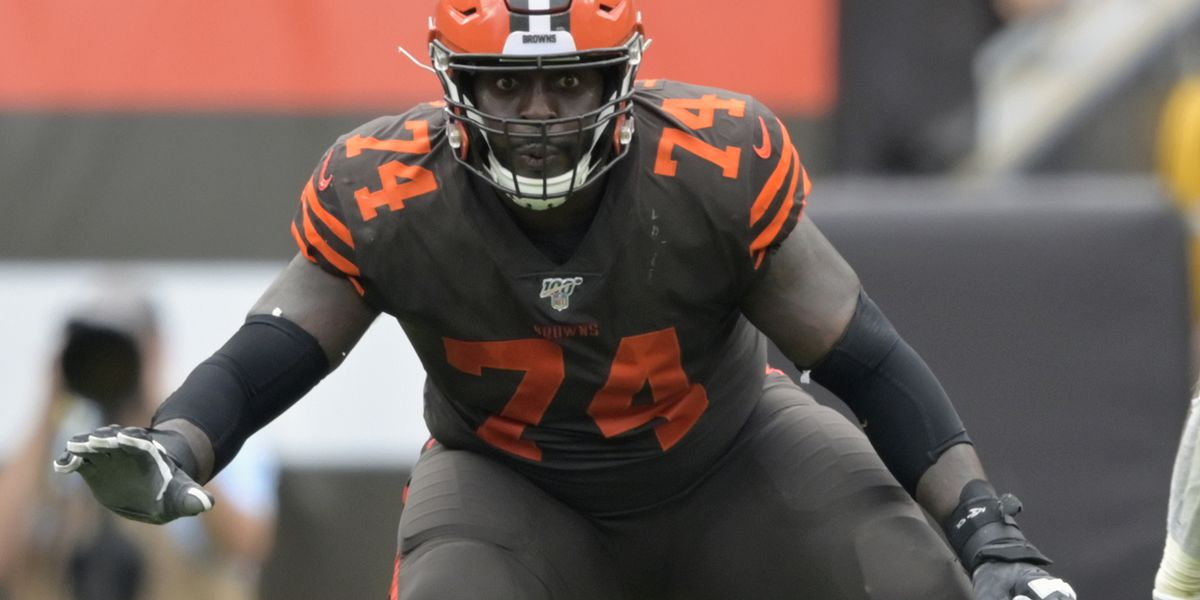Report: Browns lineman Chris Hubbard needs surgery on knee