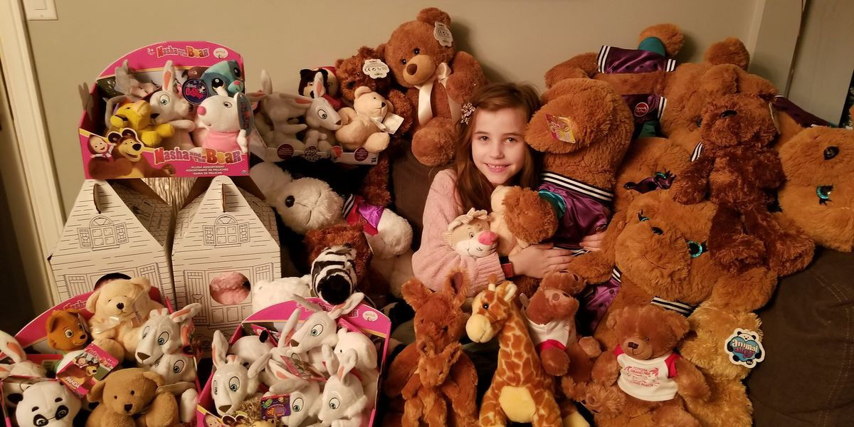 7-year-old girl donates collection of stuffed animals to sick children at Cleveland Clinic, Ronald McDonald's House
