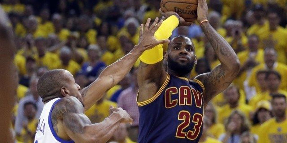 Warriors defeat Cavs 89-83 in Christmas Day game