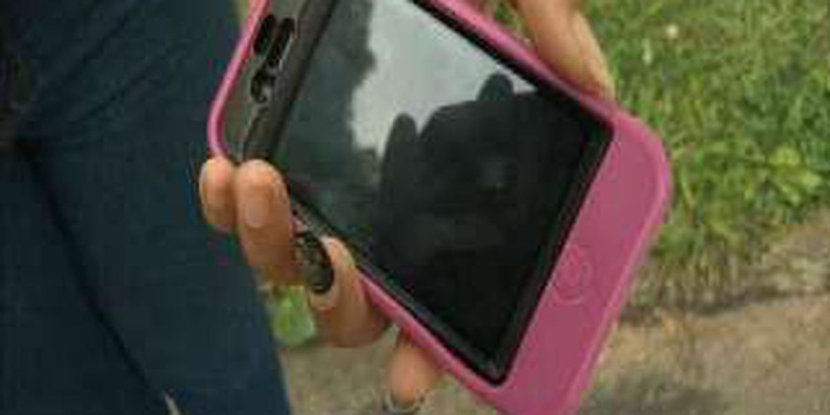 16-year-old girl accused of stealing phones wanted for other crimes