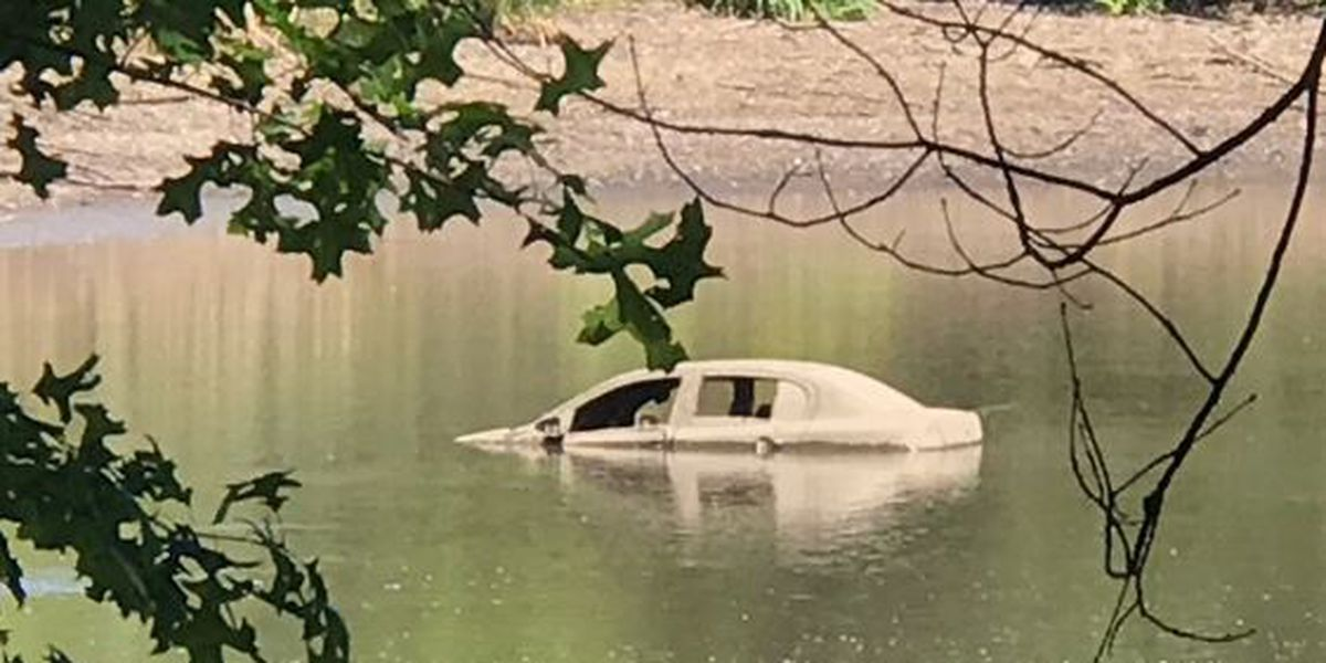 Sunken car found in Shaker Lakes was stolen, police say