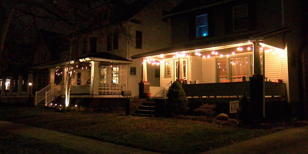 Light the Lakewood Night encourages residents to display string of lights on home in solidarity during coronavirus pandemic