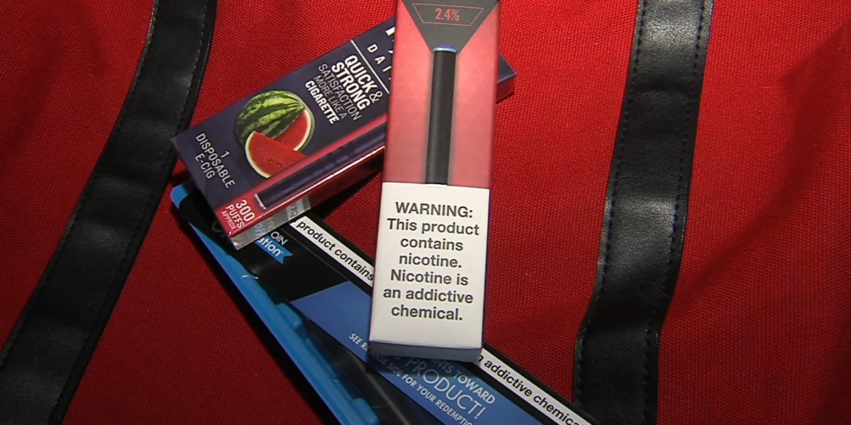 Teen vaping 'epidemic' can cause lung inflammation, cancer