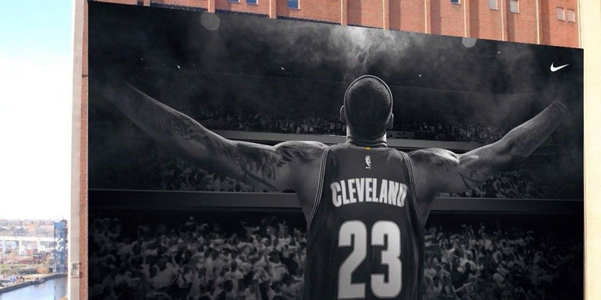 New LeBron banner pushed back a day; Unveiling set for Saturday